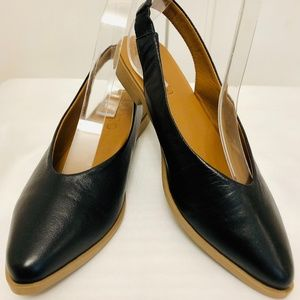 AUTHENTIC LEATHER FLATS BACK OPEN
